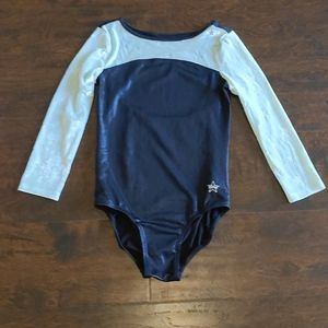 Beautiful girls long sleeved Justice leo, size 10